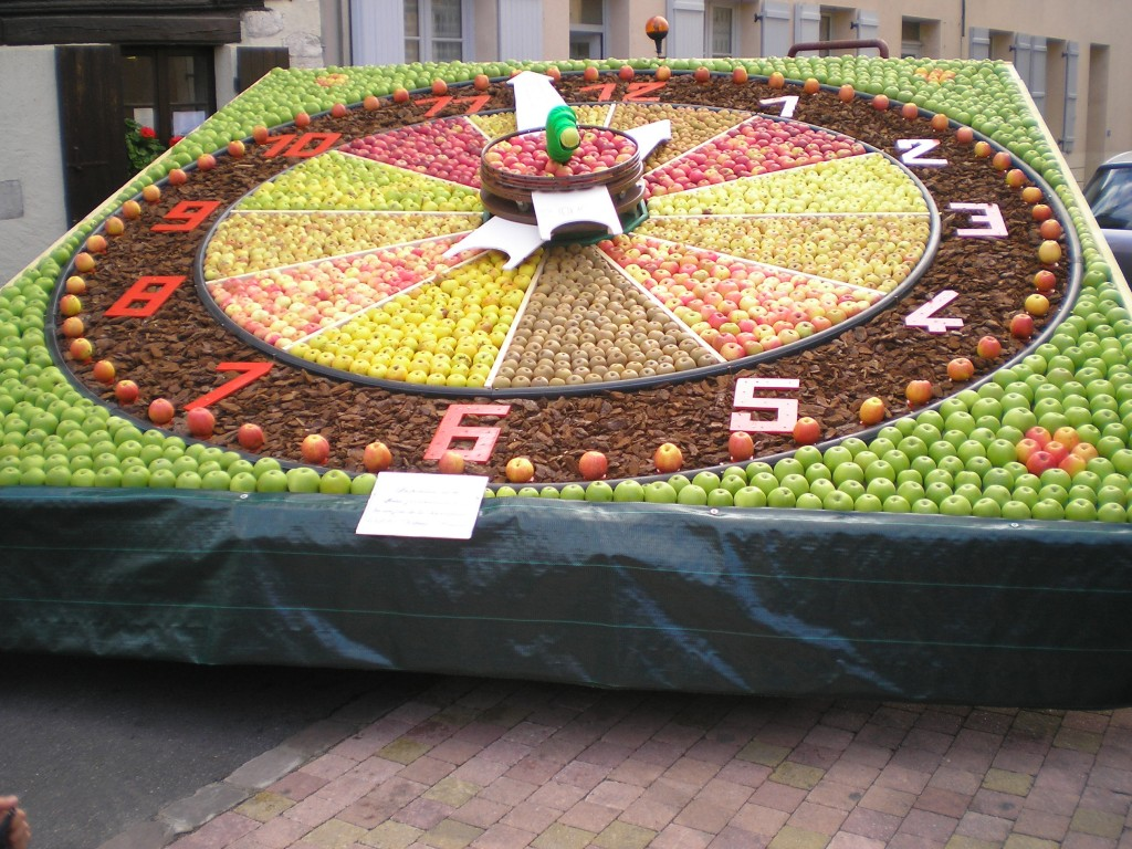 Apple Festival Clock