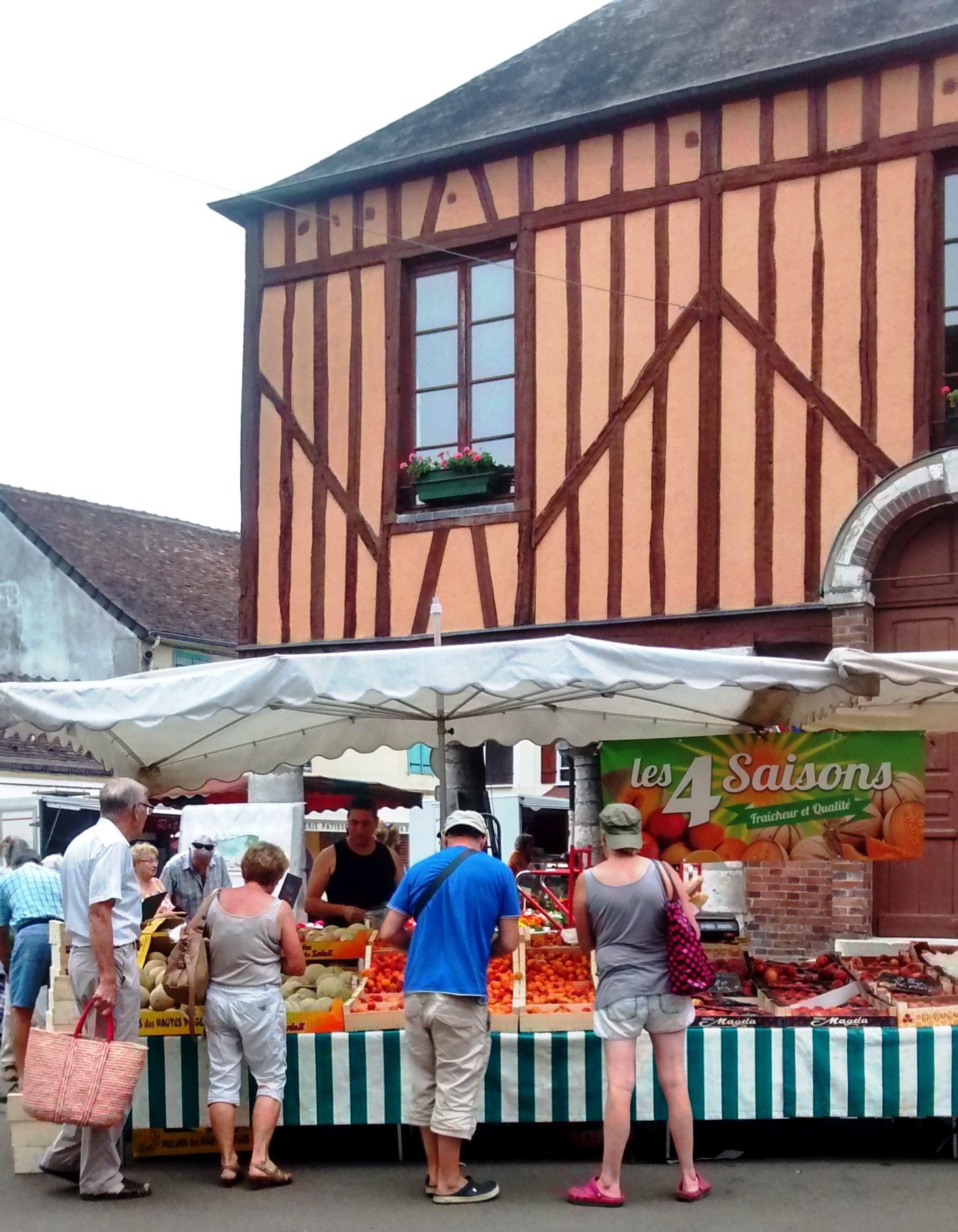 Charny Market