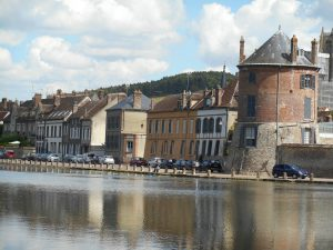 The Quay at Villeneuve sur Yonne, Burgundy where you can stay in a campervan overnight