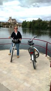 Electric bikes to hire are cropping up all over France!