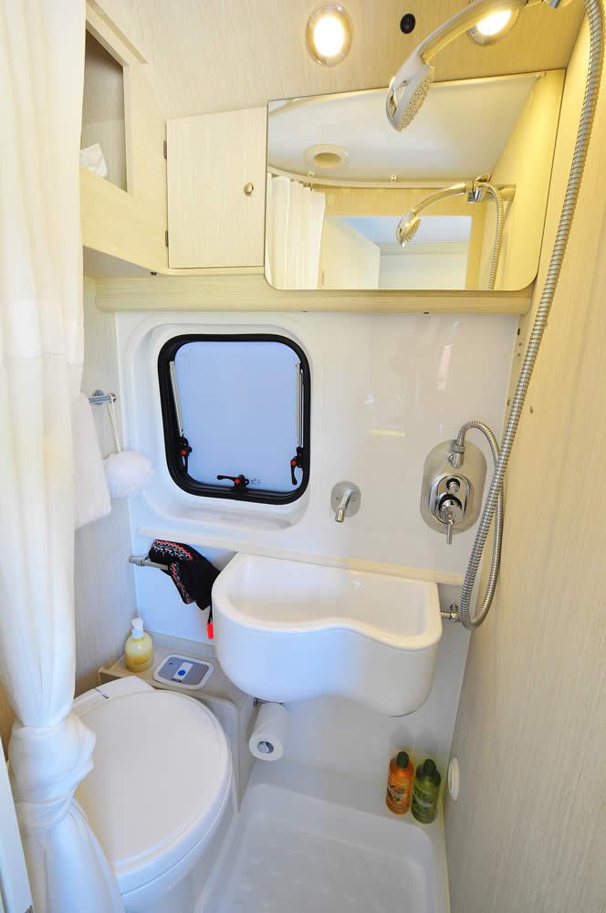 Euro-Traveller bathroom