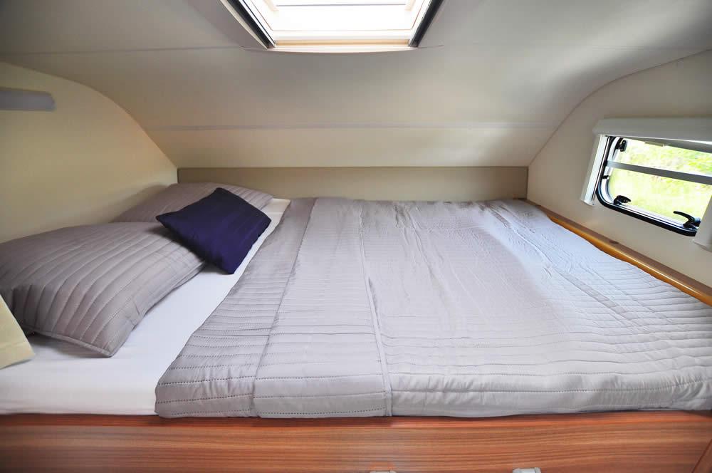 Euro-Voyager Prestige motorhome bedroom