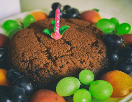 How to make a birthday cake in a campervan without an oven
