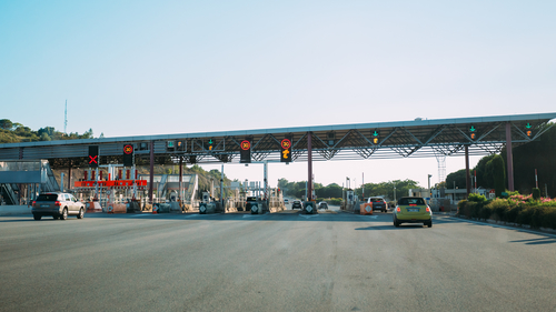 Vehicles passing through a French motorwaytoll