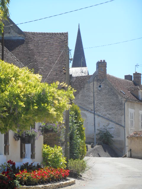 advantages of house hunting in France with a motorhome