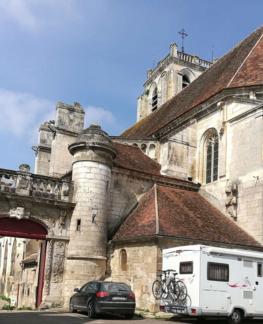 The wine tasting we booked via the app was in the beautiful Burgundy wine village of St Bris, you might want to leave your motorhome at the edge of town!