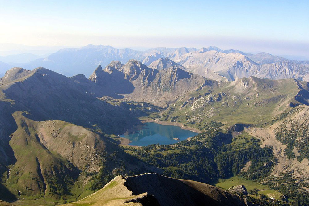Lac d'Allos as seen from Mont Pelat ©Helac